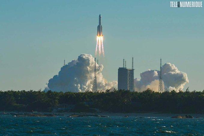 Lancement d'un vaisseau spatial