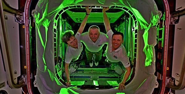 Une astronaute bat le record de séjour en orbite