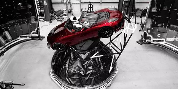 Regardez la fusée SpaceX la plus puissante au monde décoller en direct !